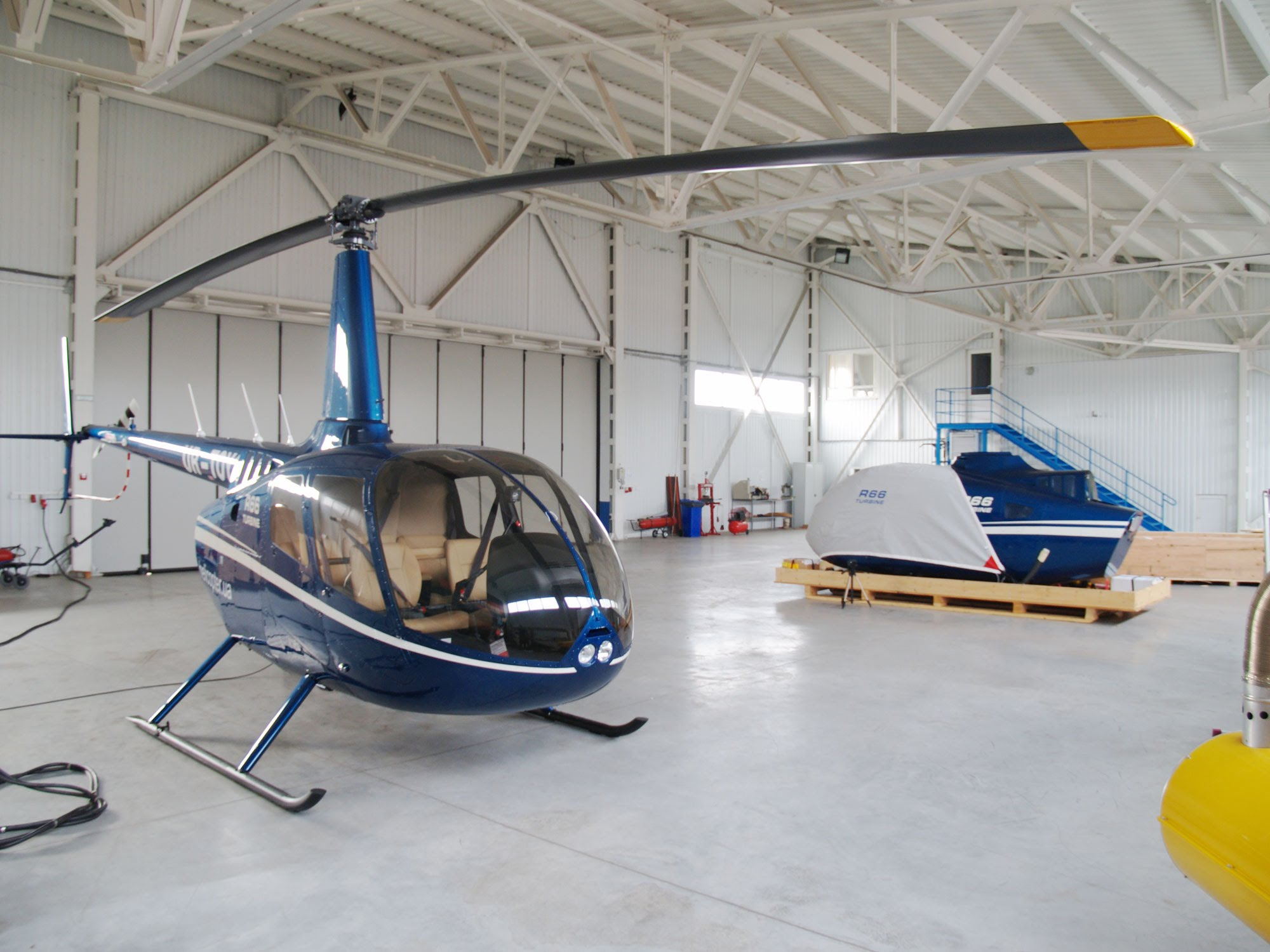 Becker Aviation – Traieste-ti visul, zboara fara aripi!